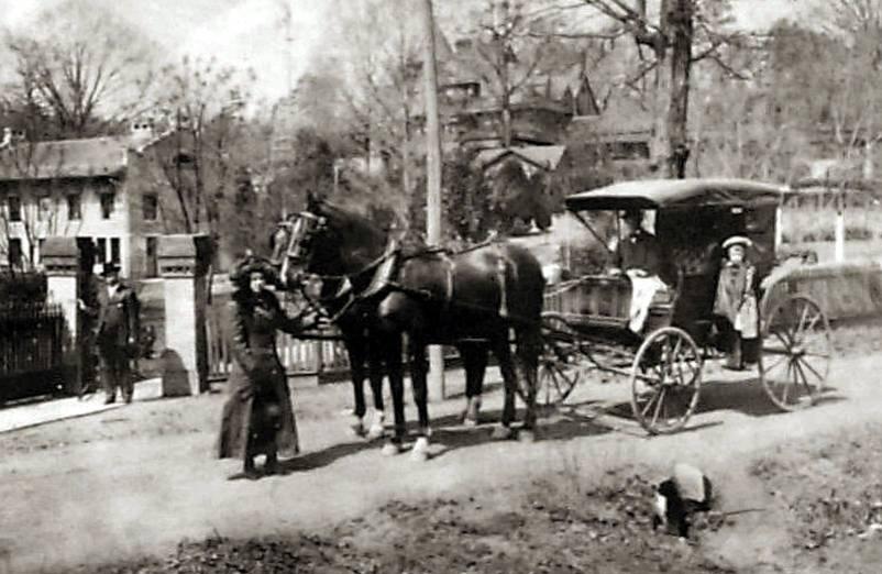 Paard en koets rond 1900