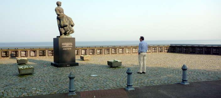 Het vissermonument met de namen van omgekomen Urker vissers