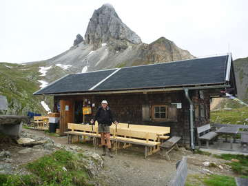 Setting off from the Filmoor Hut