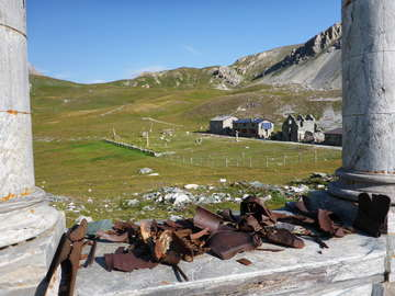 Rifugio Gardetta and the war memorial