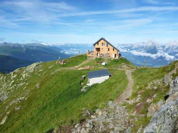 The Kellerjoch Hut